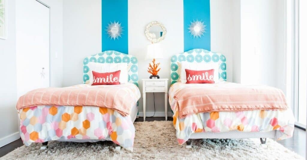 How To Fit Two Twin Beds In A Small Room 7 Epic Smart Ideas